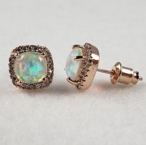 18k Cushion Cut Opal Studs